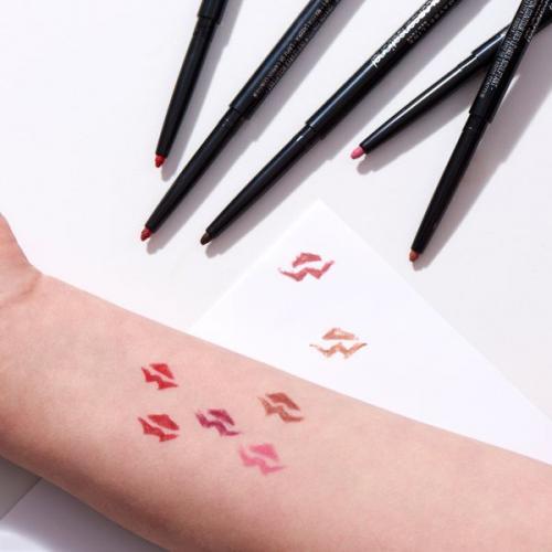 Как растушевывать карандаш для губ. Как можно использовать карандаш для губ ?