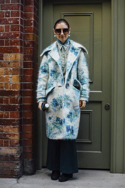 Пальто зимой с чем носить. Как носить шерстяное пальто зимой: 4 способа утеплиться с помощью многослойных образов