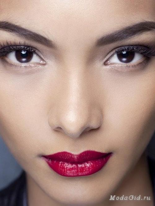 Как подобрать красную помаду к лицу. Как подобрать цвет помады к лицу, фотопримеры.