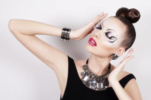 Особенности макияжа для бальных танцев