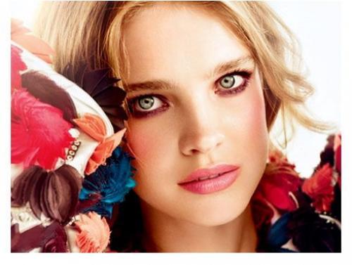Подобрать макияж по цвету волос и глаз. Макияж по цвету глаз, волос и кожи
