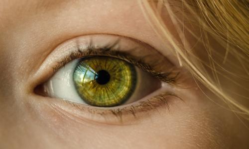 Зарядка для лица, как в 50 выглядеть на Действенный комплекс от морщинок вокруг глаз