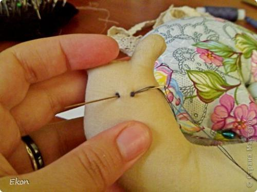 Как сделать кукле Тильде глаза. МК: Вышиваем глазки Тильде