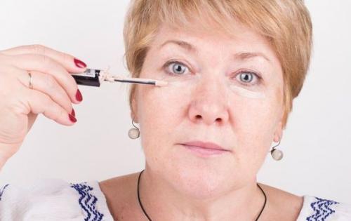 Возрастной макияж глаз с нависшим веком. Общие правила мейк-апа в зрелом возрасте