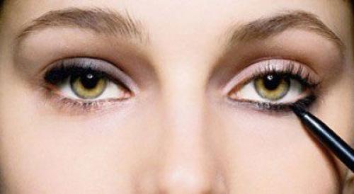 Как правильно красить глаза карандашом. Как выбрать?