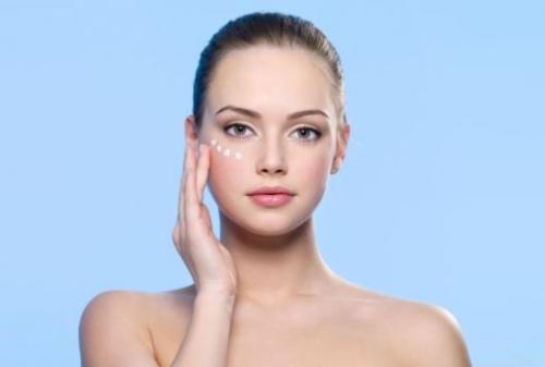Как сделать ровный тон лица тональником. Как подобрать тон под кожу лица