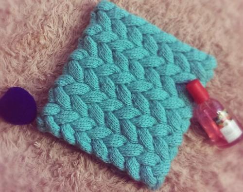 Вязаный шарф-хомут спицами схема вязания. Снуд косичками для начинающих
