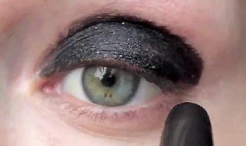 Черный Смоки Айс пошагово. Черный макияж Смоки Айс (smoky eyes) пошагово