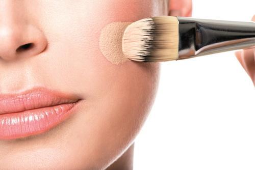 Вред тонального крема для кожи лица. Многофункциональность