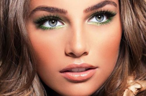 Яркий макияж для серых глаз. Вечерний