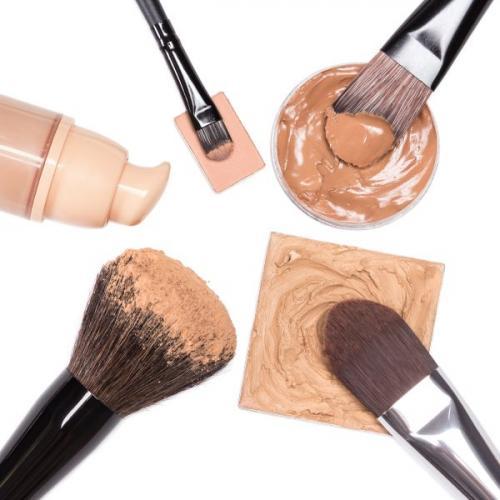 Тональный крем портит кожу. 5 мифов о вреде тональных средств
