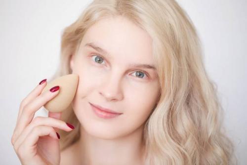 Тени для дневного макияжа. Как сделать дневной макияж: пошаговая инструкция