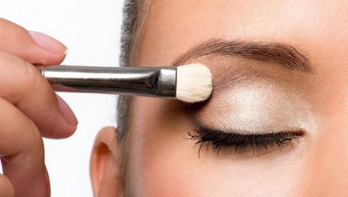 Макияж для светлой кожи и серых глаз. Какие тени подходят для серых глаз
