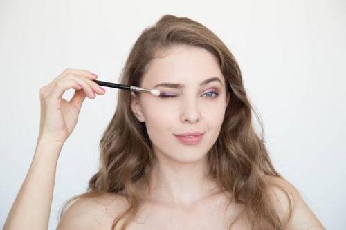 Как сделать красивый макияж себе. 9 правил макияжа глаз