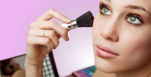 Накрашенное лицо. Как наносить макияж правильно