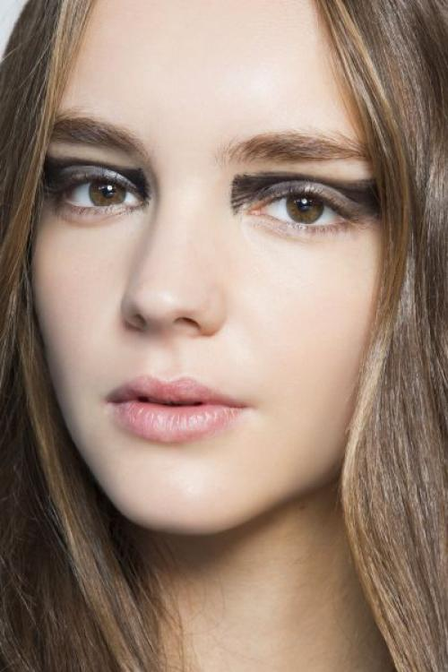 Голубые тени для карих глаз. Как выбрать тени для карих глаз?