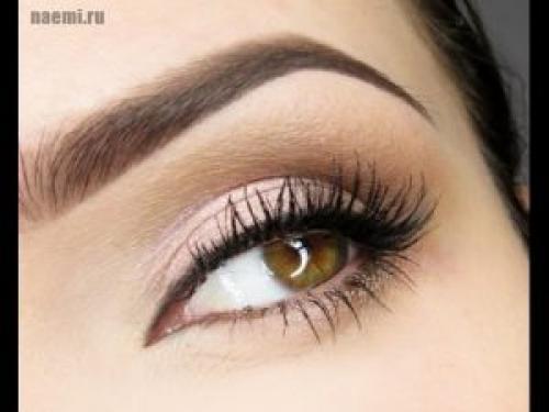 Простой макияж для карих глаз на каждый день. Основные правила