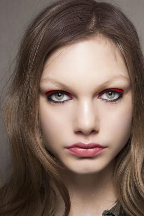 Тени красного цвета. Как использовать красные оттенки в макияже глаз?