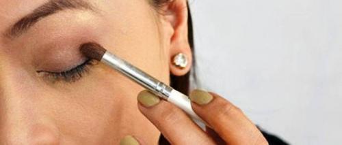 Как подвести глаза карандашом для начинающих. Как научится красиво красить глаза карандашом
