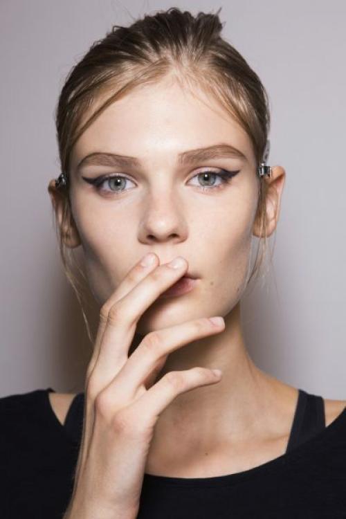 Макияж эффект больших глаз. Как с помощью макияжа сделать глаза больше?