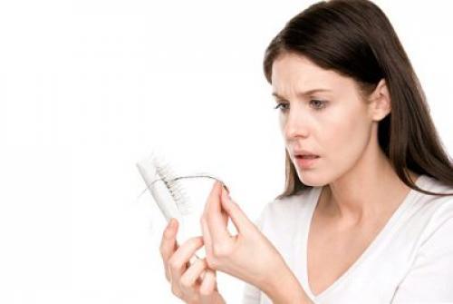 Средство против выпадения волос в домашних условиях. Какие средства от выпадения волос у женщин в домашних условиях эффективнее?