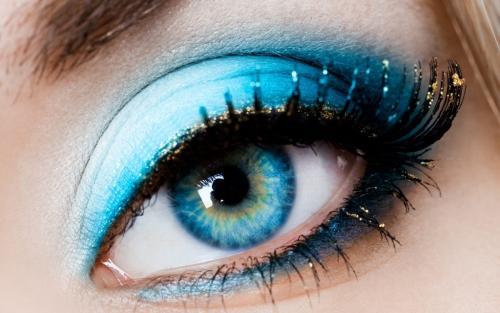 Глаза голубые макияж на каждый день. Макияж по глубине оттенка
