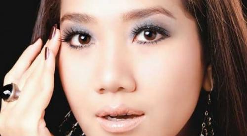 Как увеличить глаза азиатского типа. Макияж для азиатских глаз на каждый день