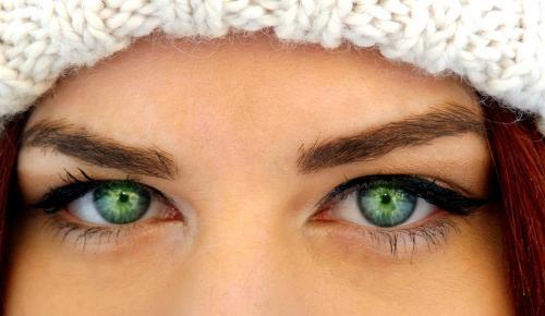 Лиловые тени для зеленых глаз. Как правильно подчеркнуть оттенок глаз