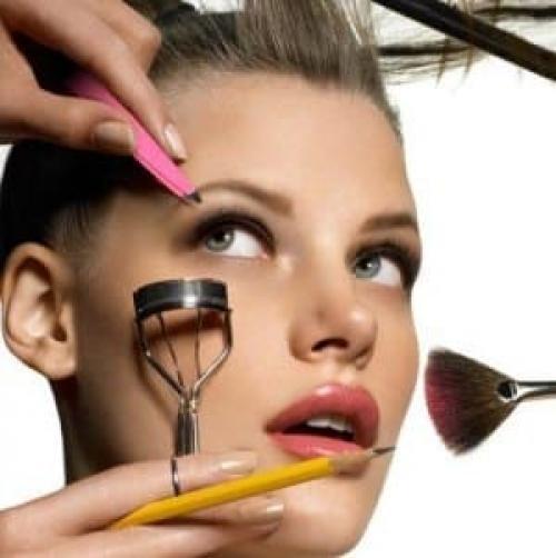 Как сделать макияж себе. Базовые правила
