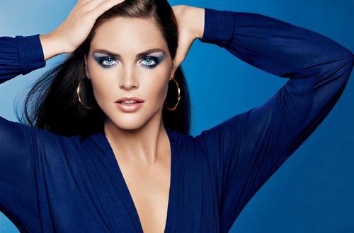 Макияж под темно синее платье для карих глаз. Полезные советы