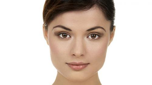 Как накладывать на лицо макияж. Как правильно наносить базу под макияж на круглое, овальное и квадратное лицо