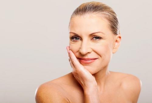 Красивый простой макияж в домашних условиях. Как правильно сделать макияж в домашних условиях пошаговое фото — тонкости возрастного макияжа