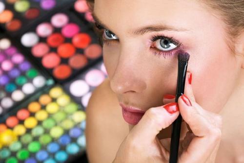 Все для идеального макияжа, что нужно. Что нужно для скульптурирующего макияжа
