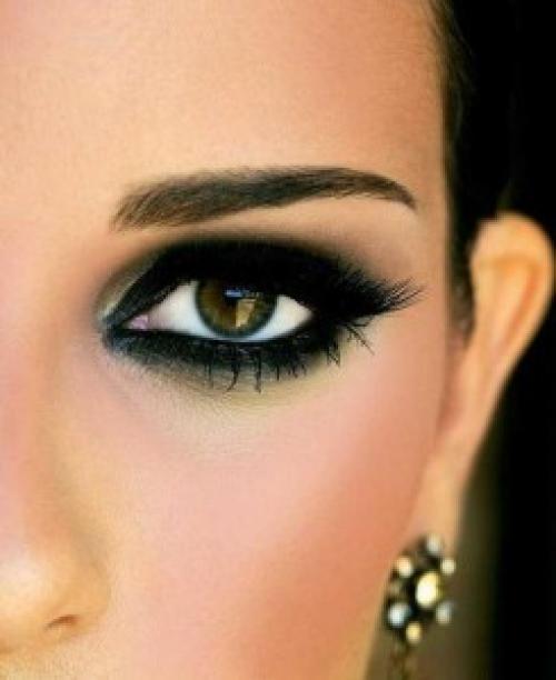 Для смоки айс тени. Smoky Eyes – пошаговое выполнение дымчатого макияжа