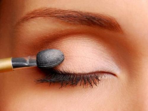 Как увеличить глаза парню. Как можно увеличить глаза в домашних условиях