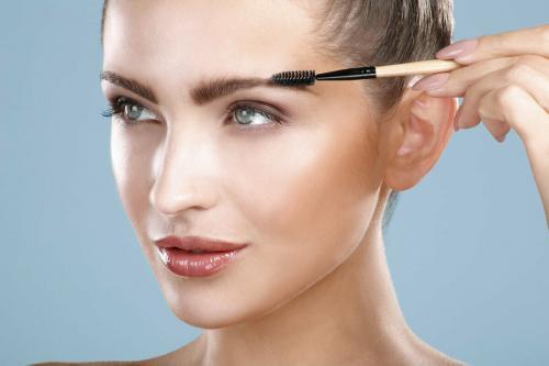 Как карандашом подвести брови. Как накрасить естественно брови карандашом ? Поэтапный урок на моих бровях