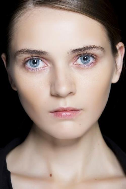 Какие идут тени к серо голубым глазам. Тени для голубых глаз: какой цвет выбрать?