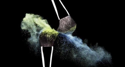 Кисточка для теней. Как выбрать кисти для макияжа? Основной набор кистей для макияжа и какая для чего.