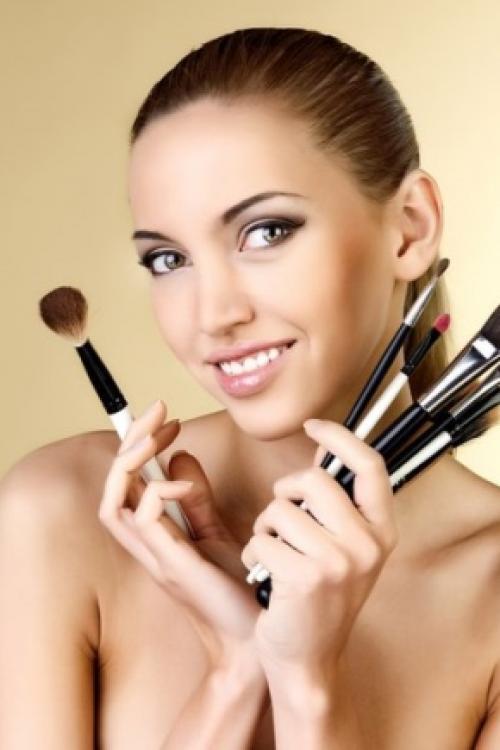 Как правильно себе сделать макияж. Уроки макияжа для начинающих