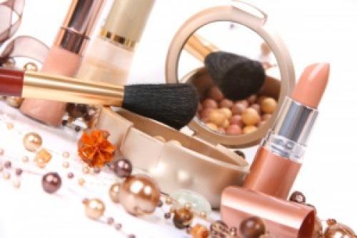 Сделать свадебный макияж. Что потребуется?