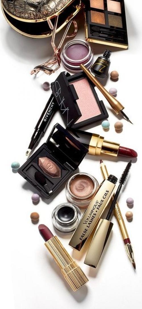 Как сделать самой себе красивый макияж. Подбираем качественную косметику
