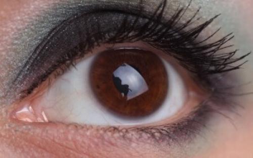 Как накрасить карие глаза. Правила макияжа карих глаз