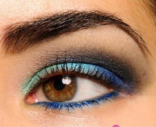Вечерний макияж для карих глаз и темных волос. Пошаговая инструкция макияжа глаз «Голубое сияние»