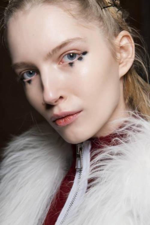 Как подводить глаза карандашом нижнее веко. 6 советов по макияжу нижнего века