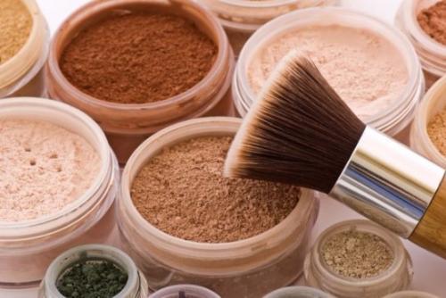 Лечебная пудра для лица. Какой должна быть лучшая пудра для жирной проблемной пористой кожи: мнение косметологов