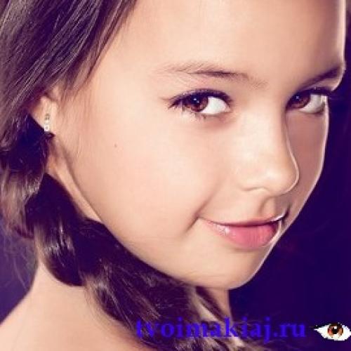 Макияж в школу для девочек 12 лет. Макияж для девочек 12-14 лет: понять и помочь