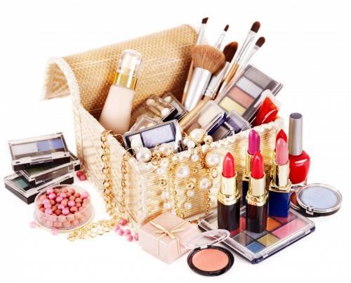 Косметика для макияжа. Всё, что нужно для макияжа: основной список косметики и инструментов