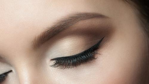 Татуаж глаз уход после процедуры чем мазать. Как ухаживать за татуажем глаз после процедуры