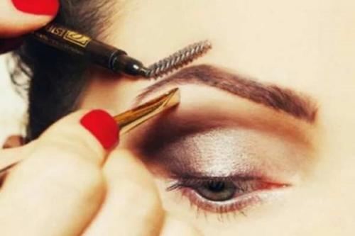 Коррекция бровей дома пошагово. 5 трюков, которые помогут скорректировать брови дома: подробная инструкция
