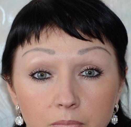 Как исправить перманентный макияж бровей. Неудачный татуаж бровей ...